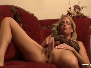 Gorgeous milf masturbated and cum real good
