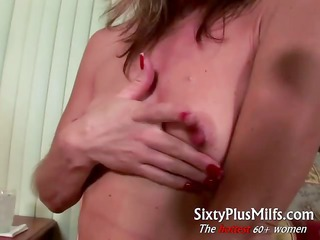 Horny mature wife gives kinky solo
