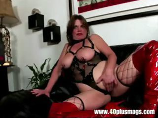 Extreme naughty mature sexbomb