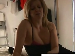 Horny mature blond lady wants cock