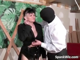 Good looking MILF with huge boobs gets