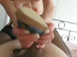 Husband gets a hot shoe job by wife and gives a