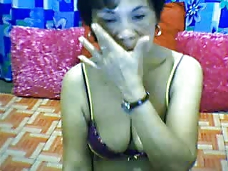 Filipino MILF on Webcam