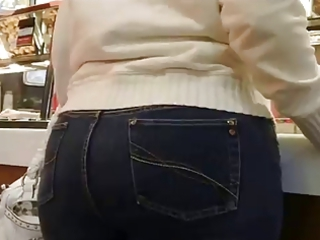 Milf Mature in tight jeans big ass butt mom phat