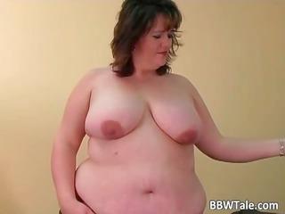 Fat slut have fun with her big dildo part1