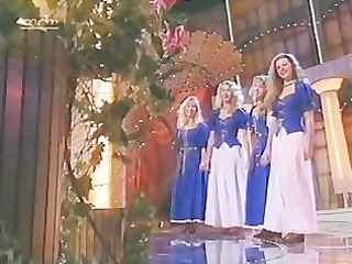 Margitta and daughters - Sing mit uns das Lied
