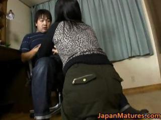 Japanese milf enjoys masturbation part3