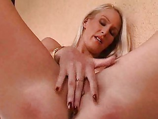 MILF Cutie Masturbates Her Drenched Pussy Solo