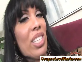 Interracial loving cougar milf foot play