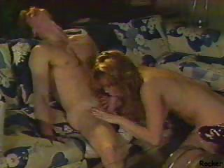 Vintage MILF Pussy Plugging Fun With Hot Chicks