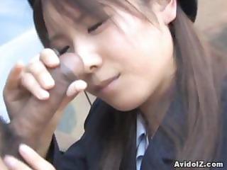 Japanese Momo Aizawa gives an outdoor blowjob