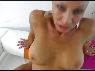 hot brunette milf