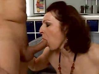 Moaning Mama Feels Every Sensation