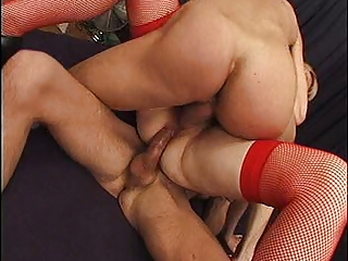 FRENCH MATURE TAKES ANAL &; AN DOUBLE PENETRATION