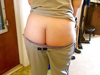 Wifey jiggles big butt some more